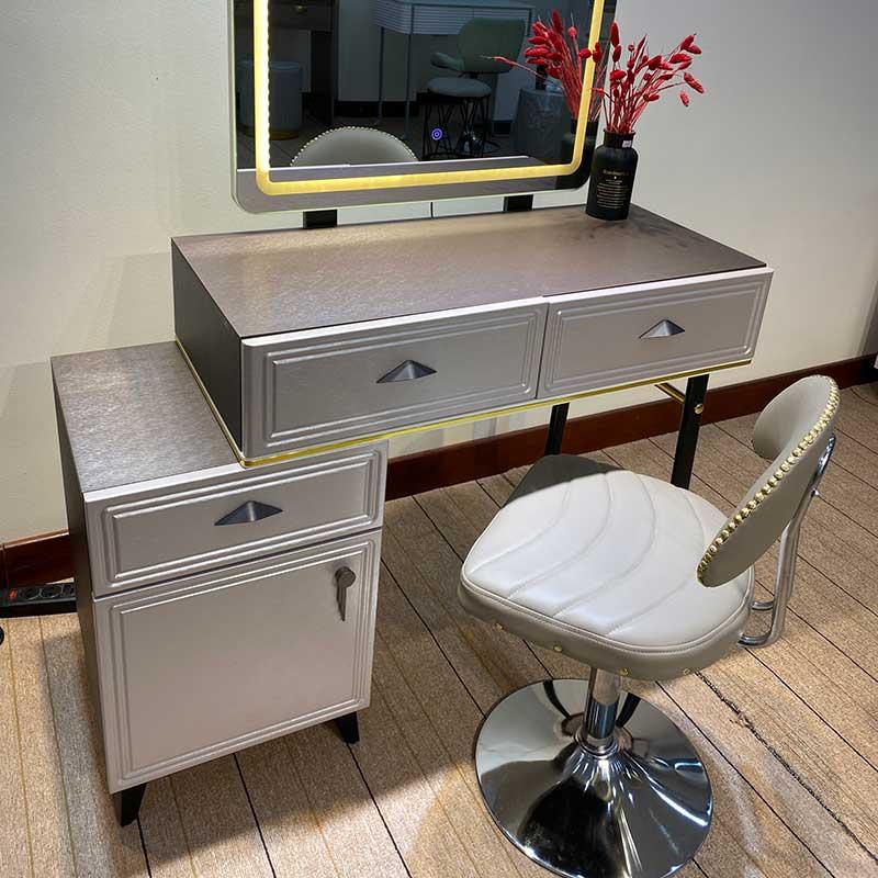 Bàn trang điểm Decor gương Led, ghế da chân Bar BP523