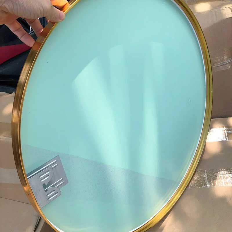 Gương phòng tắm hình tròn viền thép mạ vàng GT006
