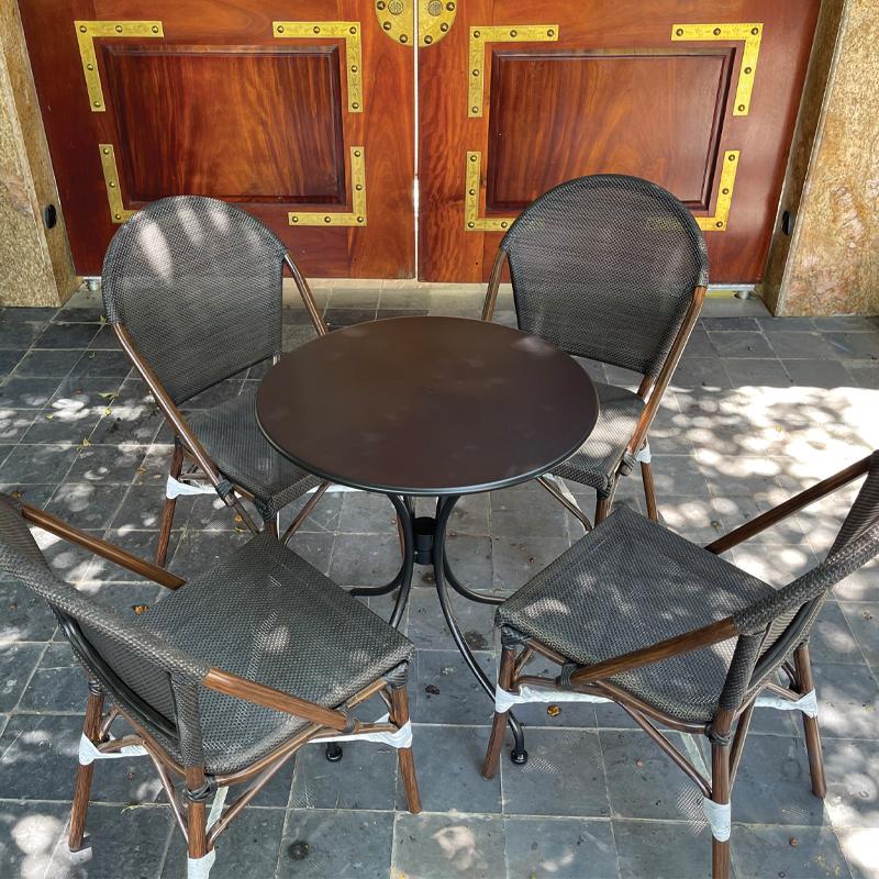 Bộ bàn ghế sân vườn mặt ghế lưới Textilen chống nóng BS299