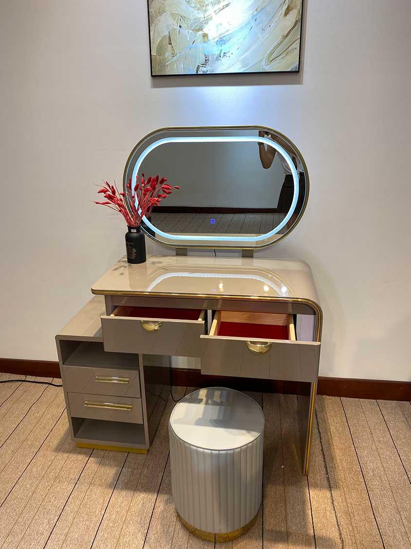Bộ bàn make up nhập khẩu tích hợp gương LED thông minh BP589