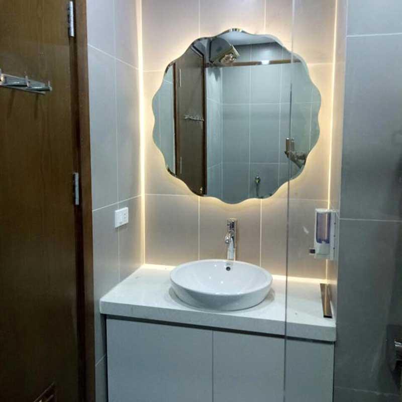 Gương LED phòng tắm hình lượn sóng có cảm ứng GT846