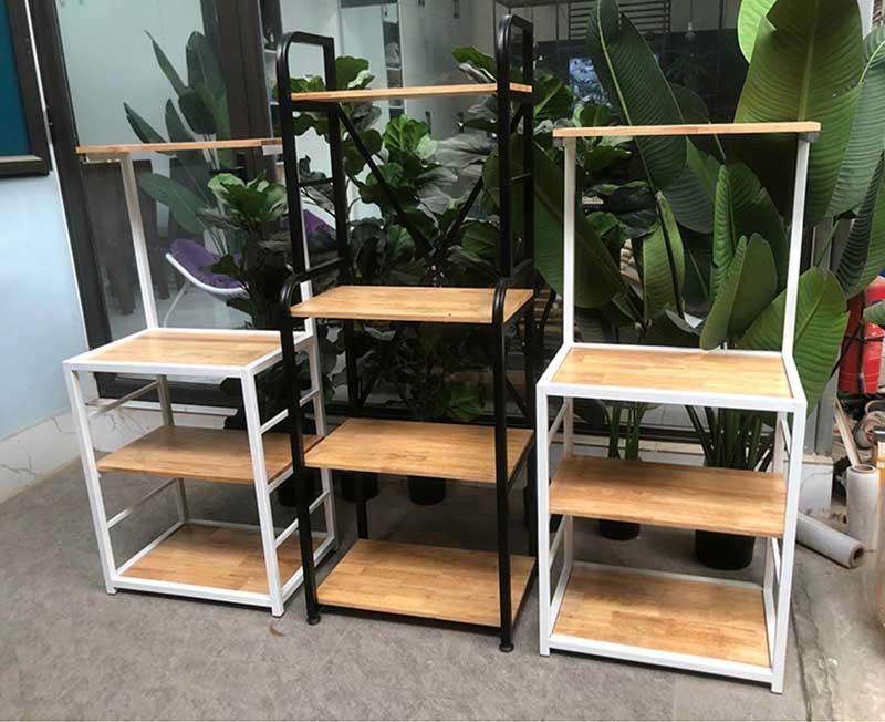 Kệ để đồ khung sắt mặt gỗ cao su 3 tầng TR252